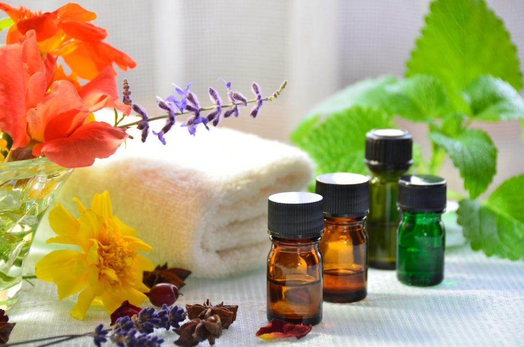 26965012 - essential oils for aromatherapy